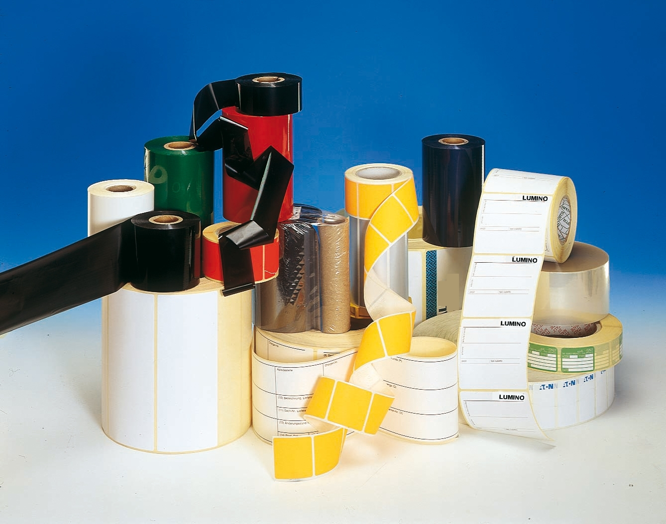 Eidos Spa offers a wide range of adhesive labels suitable for overprinting with thermal transfer technology.
